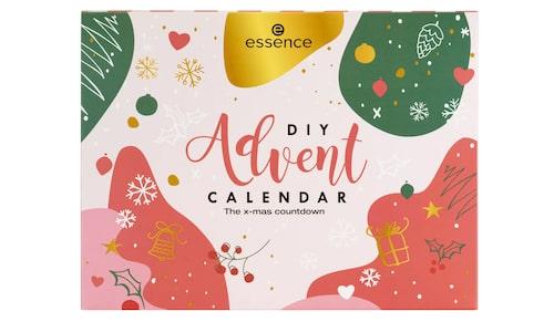 Billig adventskalender 2020 från Essence –klicka på bilden för att komma till den.