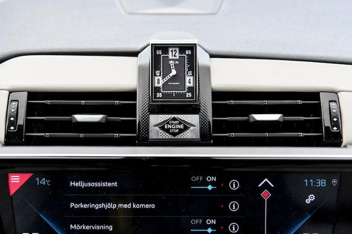 Urverket från franska klocktillverkaren BRM kan snurra runt sin egen axel.