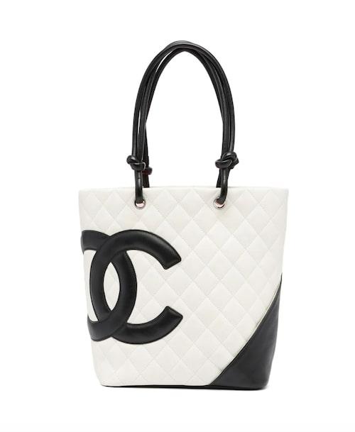 Väska från Chanel.