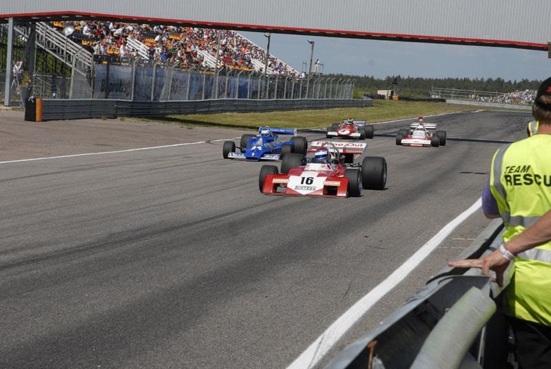 De gamla Formel 1-bilarna gjorde upp på nytt.