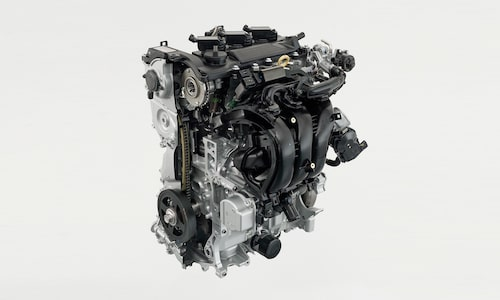 Elmotor i all ära, men i Yaris Hybrid är det en trecylindrig bensinmotor som är dominerande drivkälla.