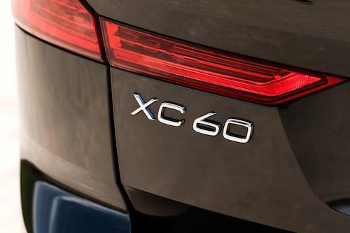 Med likvärdiga motorer är XC60  86 000 kr billigare än XC90.