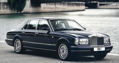 Det dröjde 59 år innan Rolls-Royce återigen erbjöd en V12-motor under huven på en modell. Rolls-Royce Silver Seraph från 1998 tog vidare arvet från 1939.