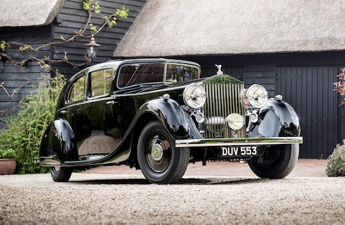 Rolls-Royce Phantom III (1936-1939) var märkets första modell att ha V12-motor under huven. Just detta exemplar tillhörde fältmarskalk Montgomery som bland annat ledde trupperna, tillsammans med Dwight D. Eisenhower, under invasionen av Normandie den 6 juni 1944 (Operation Overlord, mer känt som Dagen D).