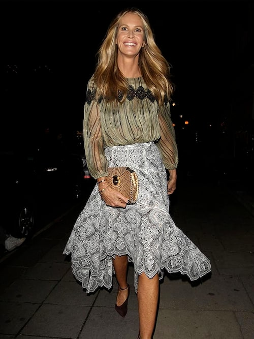 55-åriga fotomodellen och influencern Elle Macpherson låter inte åldern påverka hennes alltid lika glänsande Hollywoodsvall.