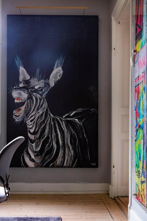 Den skrattande zebran är inspirerad av Aretha Franklin, målad av Lisa Törner