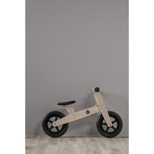 Balanscykeln i trä är både fin och snabb.