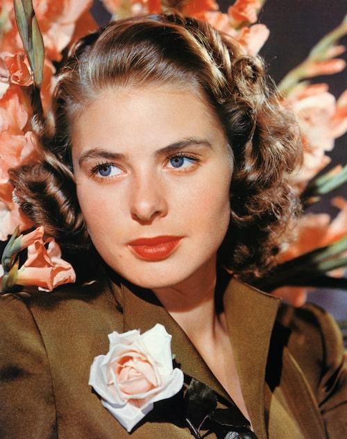 Ingrid Bergman under andra världskriget, då rött läppstift såg som en del i att stärka stridsmoralen.
