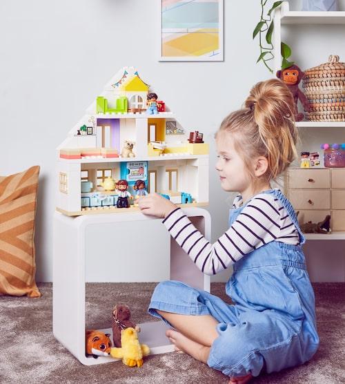 Låt din älskling bygga en värld så som hon eller han ser den. Med LEGO DUPLO Modulärt lekhus finns det inga rätt eller fel.