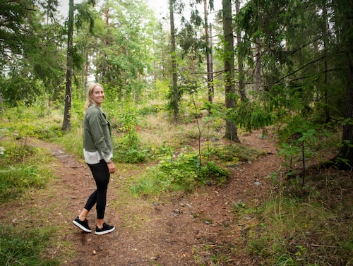 När Elin inte kan gå till gymmet på grund av cellgifterna så tar hon ofta skogspromenader
