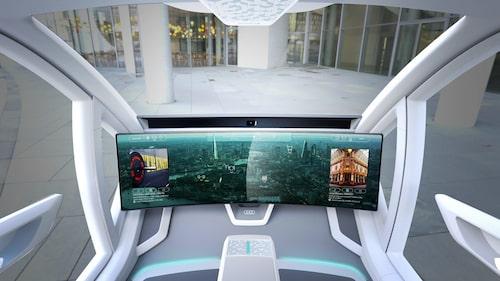 En skärm på 49 tum utgör gränssnittet mellan maskin och människa. Touchfunktioner kombineras med tal-, ansikts- och ögonigenkänning.