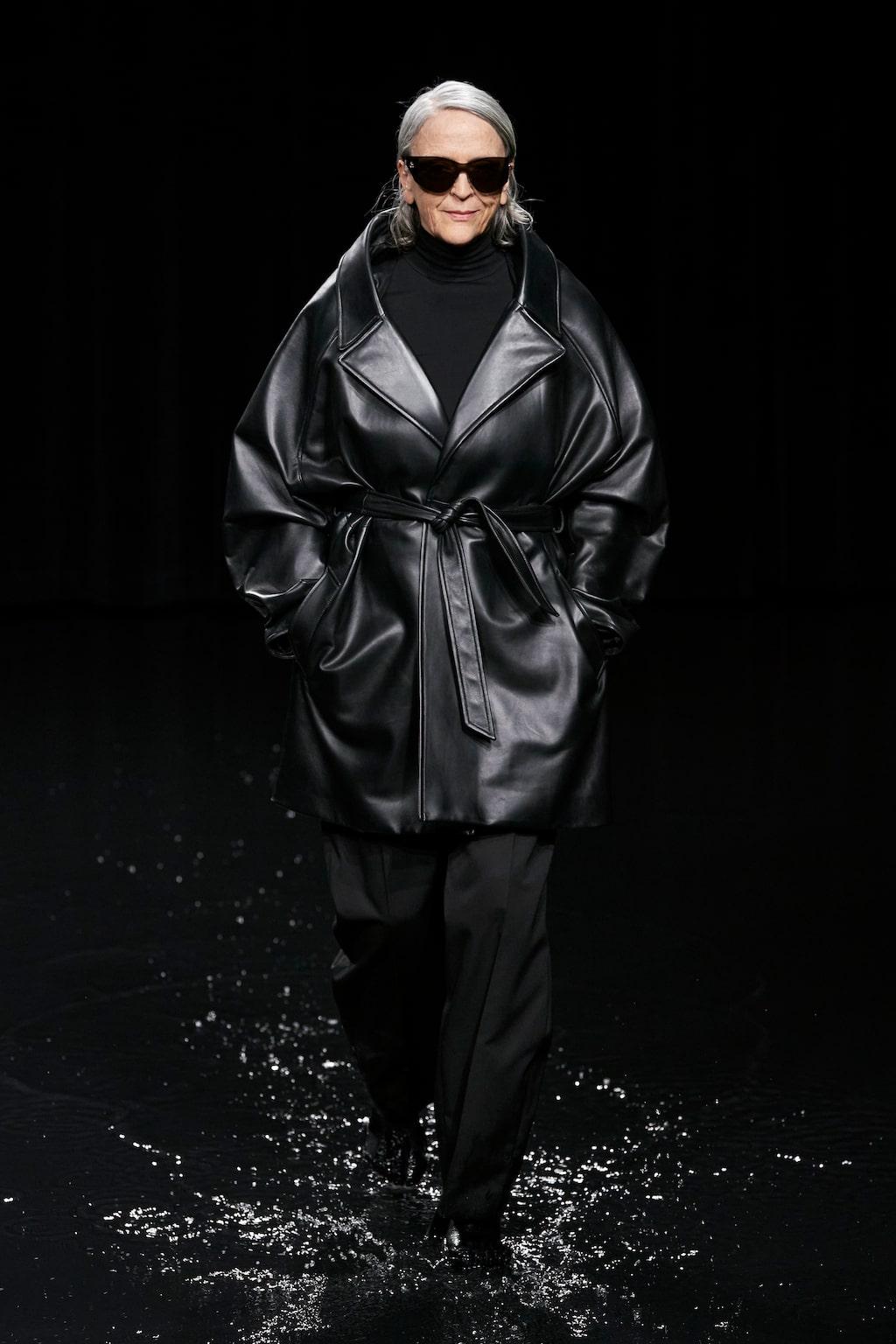 Höstmode 2020: läderkappor hos Balenciaga AW20.