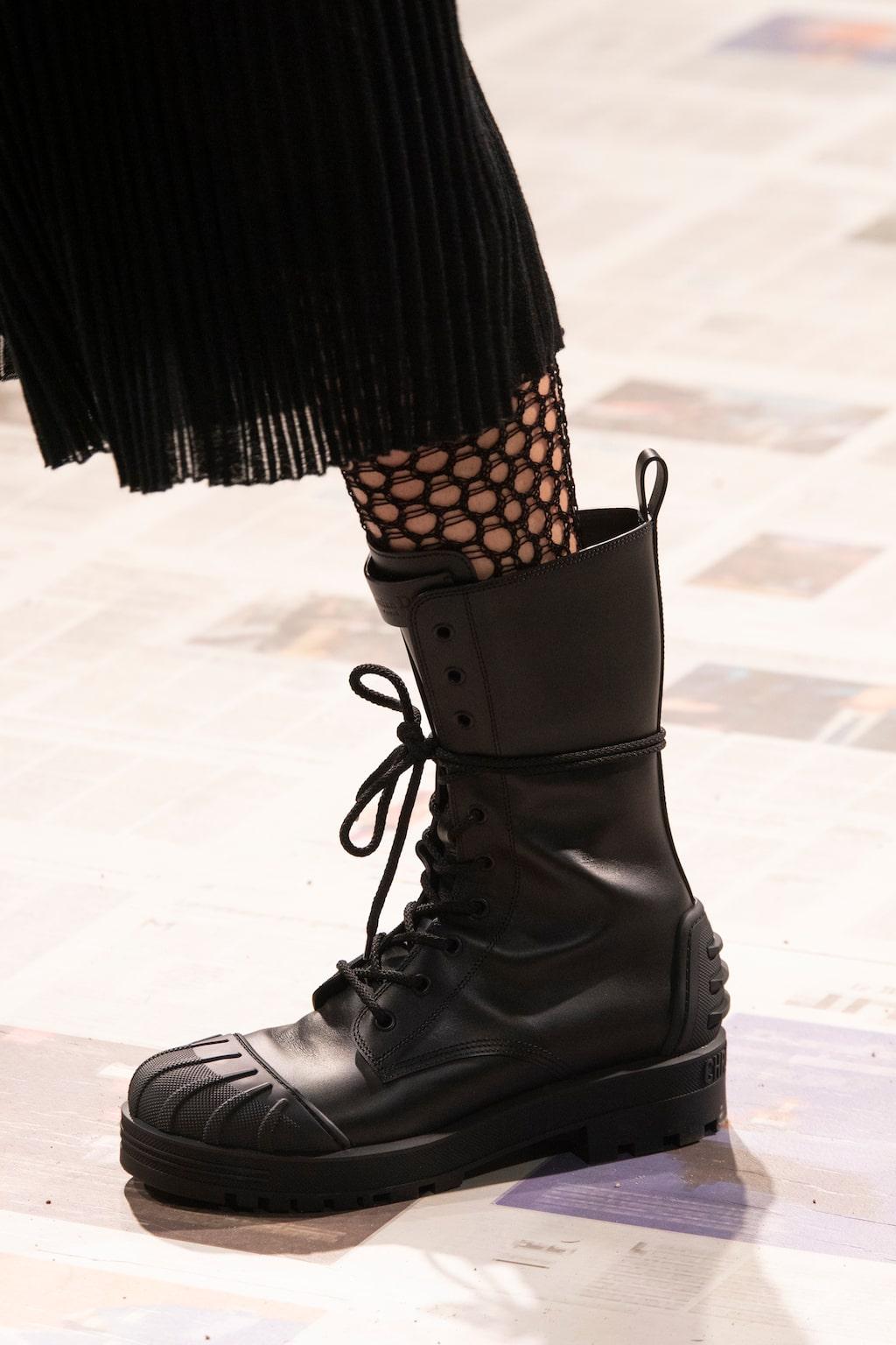 Höstmode 2020: lårhöga stövlar hos Dior AW20.