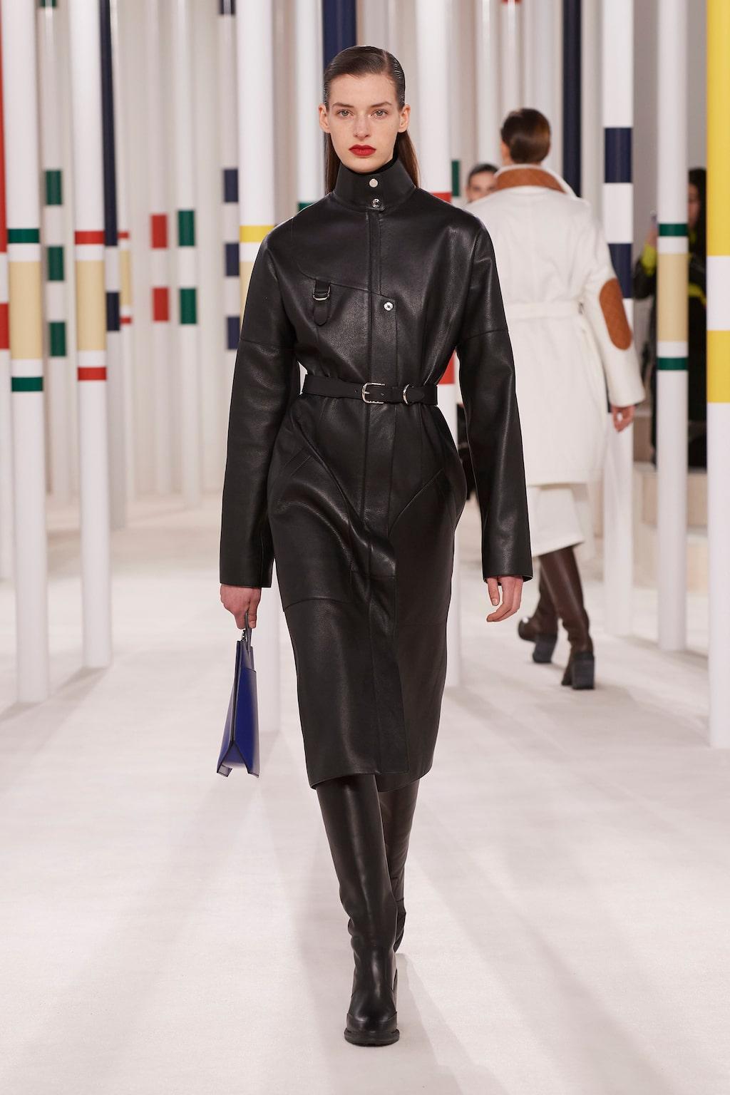 Höstmode 2020: läderkappor hos Hermès AW20.