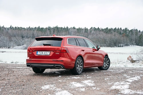 Minst 18 tums vinterhjul när bilen är utrustad med det aktiva chassit. Dyrt!