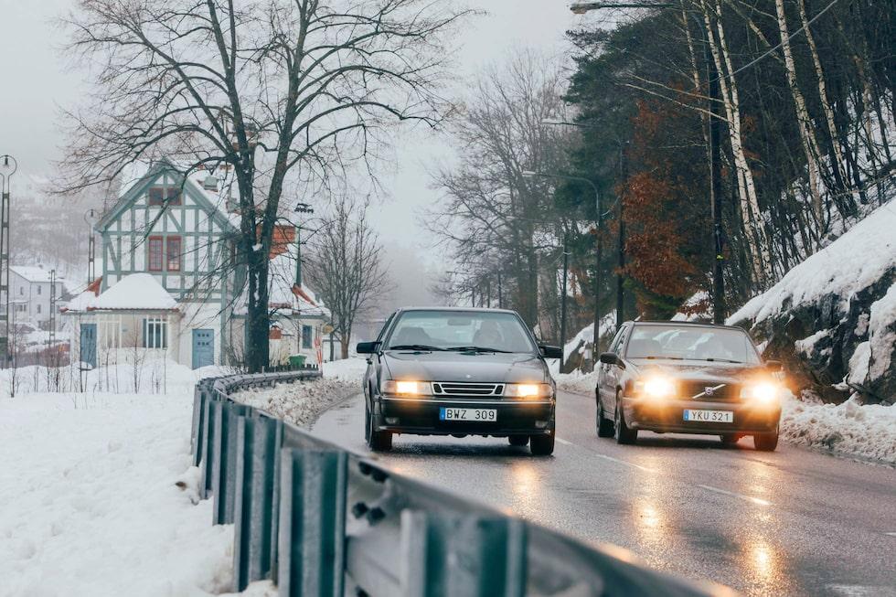 Turbokampen rullar vidare. Som en stor stark – men med olika smaksättare. Både Saab 9000 och Volvo 850 har åldrats med värdighet.