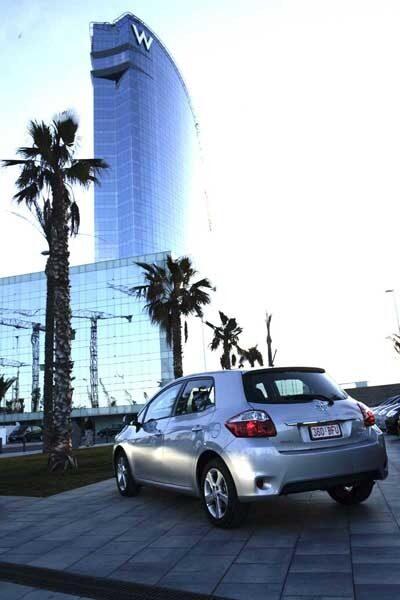 Största anledningen till Toyotas enprocentiga försäljningsras är att Auris inte finns som kombi. När det sker, når den lika högt som W hotell i Barcelona?