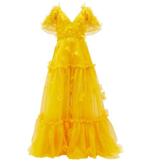 Gul frackklänning från Dundas i flera lager vacker silke. Klicka på bilden och kom direkt till klänningen.