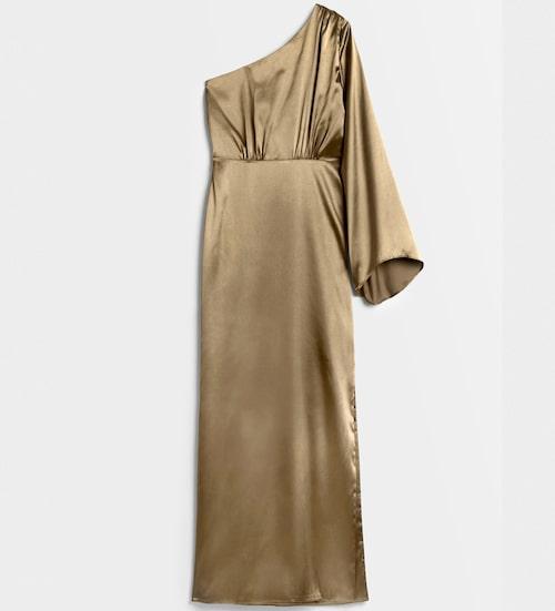 Enärmad satinklänning från Nicole Falciani x Bubbleroom. Klicka på bilden och kom direkt till klänningen.