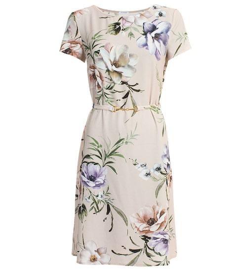 Sommarfin klänning från Ida Sjöstedt. Klicka på bilden och kom direkt till klänningen.