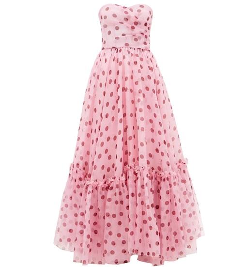 Vacker frackklänning från Dolce & Gabbana i somrig modell. Klicka på bilden och kom direkt till klänningen.