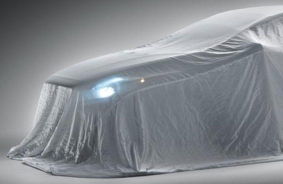 Fronten följer Volvos nya formspråk som vi redan sett på S60 och V60, men på V40 blir det en ännu tuffare uppsyn.