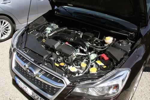 Nya Subaru Impreza med sin 1,6-liters bensinmotor på 114 hästar.