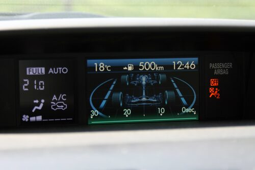 Mycket info på den lilla skärmen i nya Subaru Impreza.
