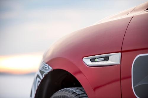 Teknikens Värld var först i Sverige att provköra dessa förseriebilar av Jaguars efterlängtade suv.
