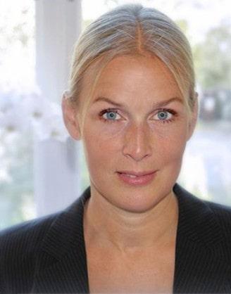 Victoria Höglund är utbildad civilekonom.