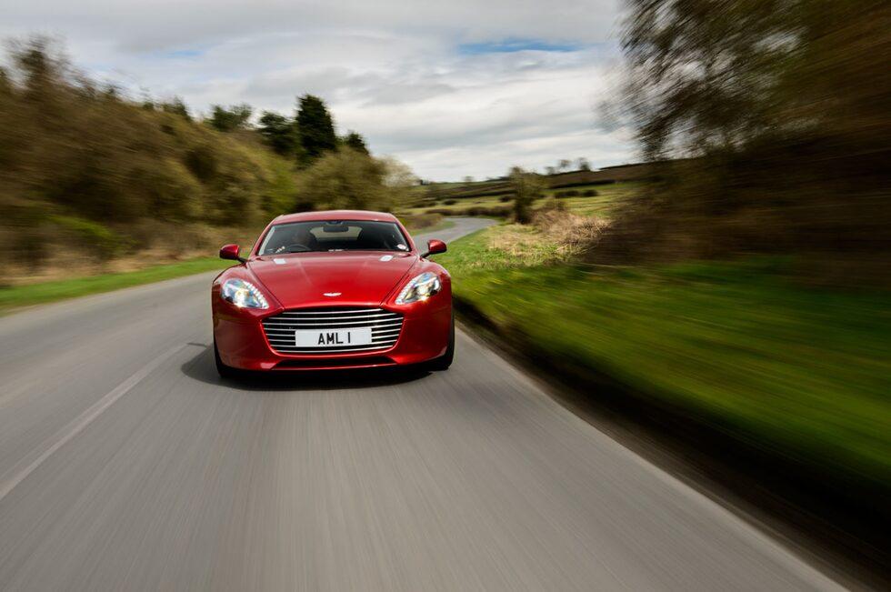 Utstuderat formspråk i fronten är del av den nya given med Aston Martin Rapide S.