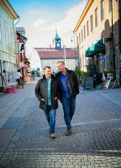 Både Alexander och Tony trivs i småstadsidyllen Norrtälje som vintertid är betydligt stillsammare än på sommaren.