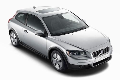 17 september. Volvo visar en eldriven C30 som med tilläggsbeteckningen BEV ska klara 15 mil på en laddning.