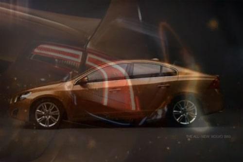 30 december. Volvo väljer nu att visa lite mer av nya S60 genom att publicera en kort reklamfilm via Facebook.