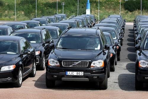 17 november. För många biltillverkare börjar det gå bättre i Europa, så även för Volvo. Volvo PV:s Europaförsäljning ökade med 16 procent i oktober enligt siffror från Acea. För Saab var det tvärtom – Saab rasar mest av alla i Europa just nu.
