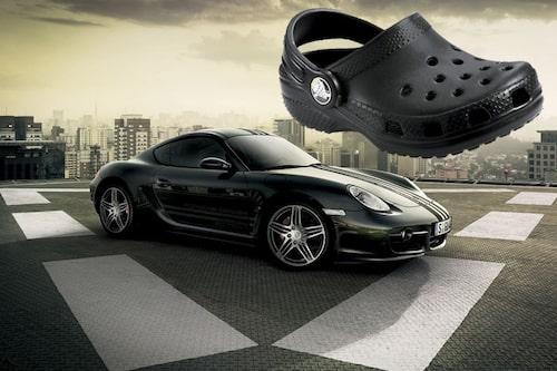 13 november. Porsche stämmer foppatoffelns tillverkare Crocs för att de använder sig av namnet Cayman.