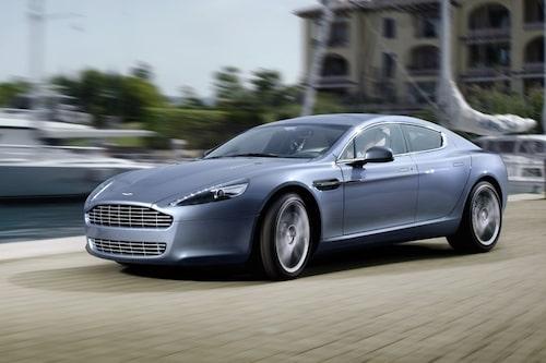15 september. Aston Martins svar på Porsche Panamera gör entré – Rapide. En vacker och snabb britt med plats för fyra.
