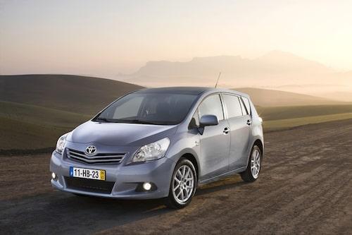3 november. Nya Toyota Verso utses till Årets Familjebil 2009.