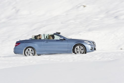 15 december. Officiella bilder på Mercedes E-klass Cabriolet släpps.