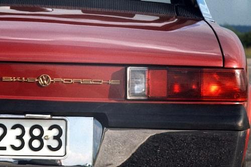 13 november. Sportbilstillverkaren Porsche har för vana att gräva i pengar. Men senaste räkenskapsåret visar upp en förlust på 4,4 miljarder euro före skatt. Försöket att ta över Volkswagen har varit kostsamt.