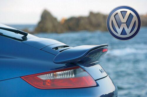 8 maj. Porsche ger upp planerna på att ta över Volkswagen. I stället vill de bilda gemensamt bolag med Volkswagen.