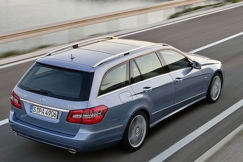 4 augusti. Nya Mercedes E-klass Kombi presenteras.
