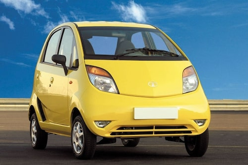 27 februari. Nu beslutats det att världens billigaste bil, Tata Nano, ska börja säljas i april. Försäljningsstarten har försenats kraftigt på grund av våldsamma protester. 18 000 kronor är priset för en Nano i Indien.