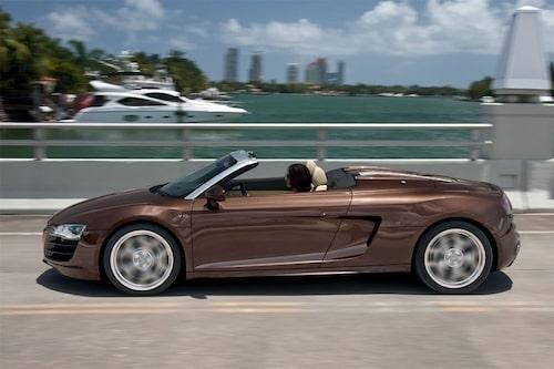 15 september. Audi visar upp den öppna versionen av R8 och får tilläggsnamnet Spyder. Endast tillgänglig med den råa V10-motorn till en början.