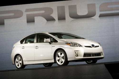 13 januari. Nya Toyota Prius, generation 3, visas upp i Detroit.