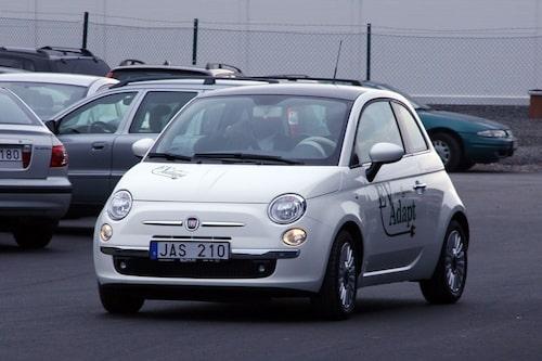 14 april. En svensk elbil baserad på Fiat 500 presenteras. Senare skulle det visa sig att projektet var ganska ihåligt.