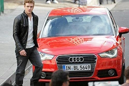 18 december. Kommande Audi A1 fångas på bild tillsammans med kändissångaren Justin Timberlake.