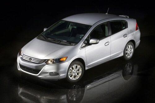 12 maj. Honda Insight lägger som första hybridbil beslag på förstaplatsen i försäljningstoppen i Japan.