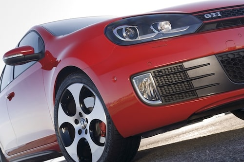 12 november. Återigen kommer förhandsuppgifter som visar att Volkswagen vid årets slut antagligen passerat Toyota och därmed blir världens största biltillverkare.