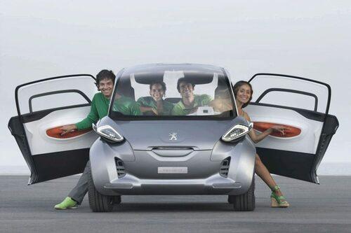 17 september. Minst på Frankfurtsalongen är troligtvis Peugeot BB1. Trots en längd på 2,5 meter ska den rymma fyra personer.
